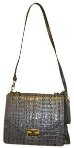 Brahmin Changeable Strap Converts From A To A Handbag Includes Both The Strap And The Handle Which Are Each Detachable But Cross Body Bag