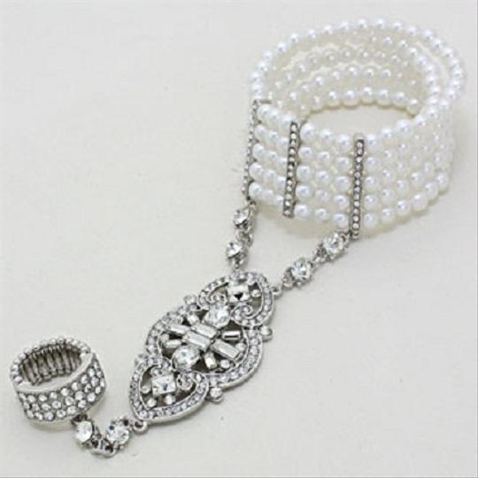 Other White Pearl Hearts Hand Chain Silver Tone Crystal Accent Stretchable Bracelet