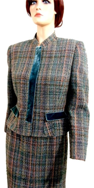 Item - Green Two-piece Plaid Skirt Suit Size 10 (M)