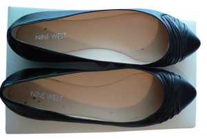 Nine West Pointed Toe Leather Black Flats