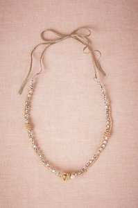 Pearl/Crystal/Nude Glittering Gambol Necklace