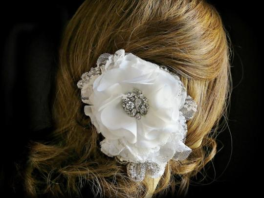 Preload https://item4.tradesy.com/images/whiteivory-hairpiece-hair-accessory-3284098-0-0.jpg?width=440&height=440