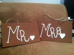 Love Always Brown and White Mr&mrs. Signs #500 Reception Decoration