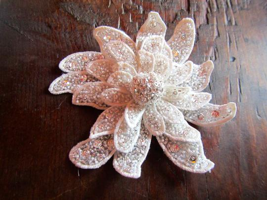 White/Ivory Meredith Comb Hair Accessory
