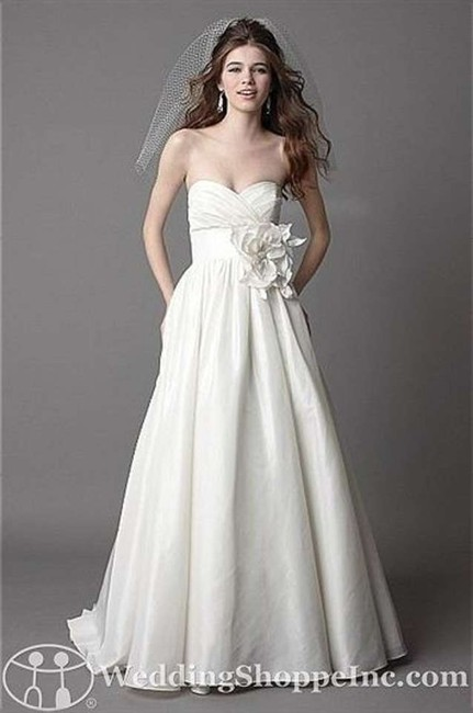 Item - White Mimi Casual Wedding Dress Size 4 (S)