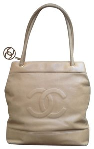 Chanel Chain Leather Tote in Beige / Tan