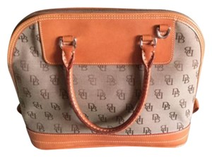 Dooney & Bourke Classic Vintage Versitile Satchel in Beige and honey