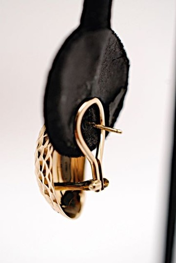 """Other Incredibly Light 18K Carved Pod Earrings w/Post + Clip - PRETTY - 1"""" x 5/8"""""""