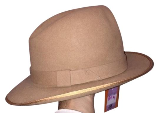 Preload https://item2.tradesy.com/images/stetson-tan-815-charger-design-sample-size-m-retail-hat-3286966-0-0.jpg?width=440&height=440