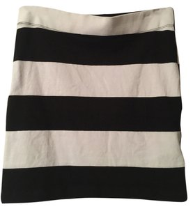Gap Mini Skirt Black and white