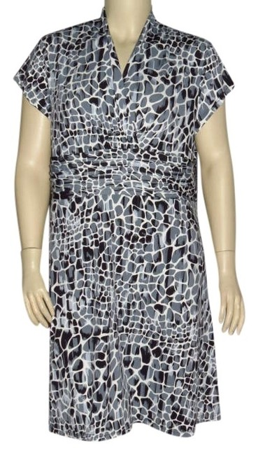 Preload https://item1.tradesy.com/images/gray-multi-new-animal-print-knee-length-workoffice-dress-size-20-plus-1x-328955-0-0.jpg?width=400&height=650