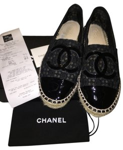 Chanel Lace Eyelet Flower Patent Cc Black Flats