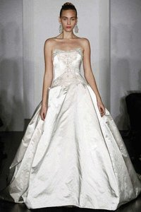 KENNETH POOL Ivory Ball Gown Traditional Wedding Dress Size 4 (S)