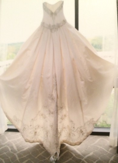 KENNETH POOL Ivory Ball Gown Traditional Wedding Dress Size 4 (S) Image 1