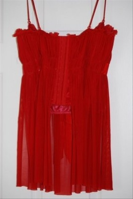 Moda International Top Red