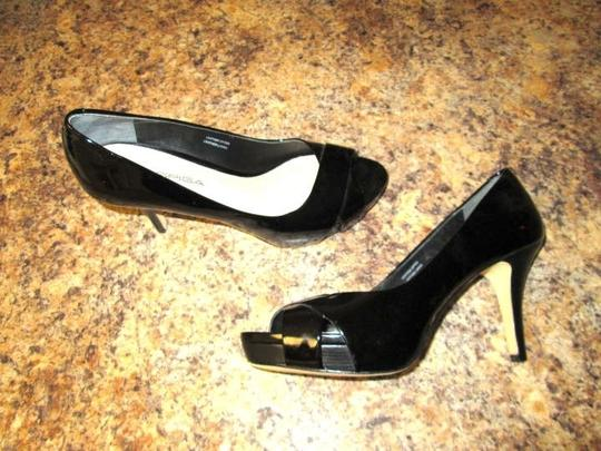Via Spiga Leather Patent Leather Black Pumps