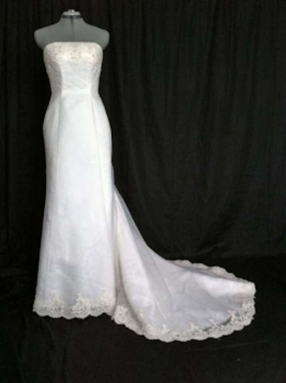 David's Bridal White Chiffon Organza Michelangelo T8021 Formal Wedding Dress Size 6 (S)