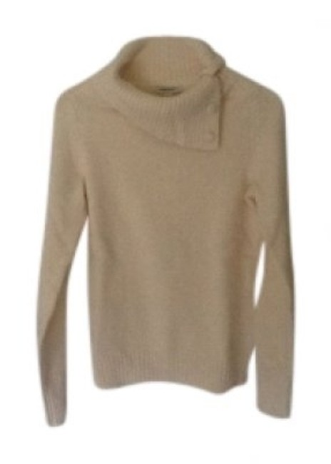 Preload https://item2.tradesy.com/images/banana-republic-cream-off-white-cowl-neck-with-button-detail-sweaterpullover-size-6-s-33021-0-0.jpg?width=400&height=650