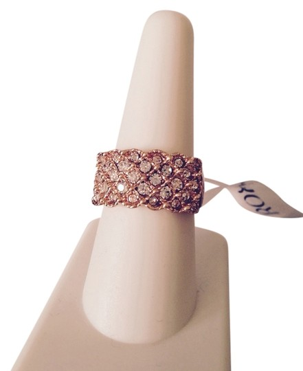 Preload https://img-static.tradesy.com/item/3302158/rose-gold-plated-austrian-ring-size-8-0-0-540-540.jpg