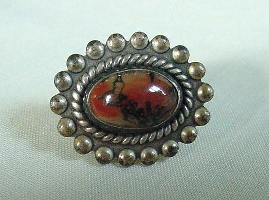 Other Lovely Vintage Pair of STERLING SILVER Screw back Agate Earrings Image 1