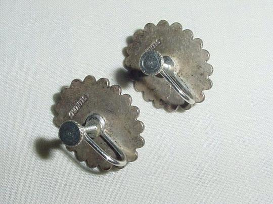 Other Lovely Vintage Pair of STERLING SILVER Screw back Agate Earrings Image 4