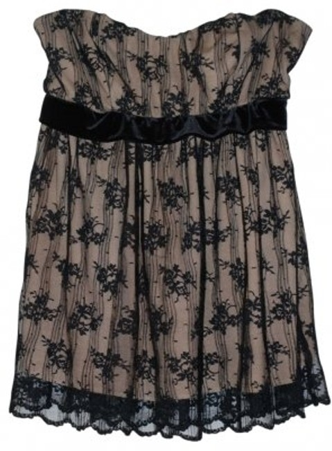 Preload https://item2.tradesy.com/images/boston-proper-black-lace-over-nude-strapless-with-velvet-band-night-out-top-size-10-m-33056-0-0.jpg?width=400&height=650