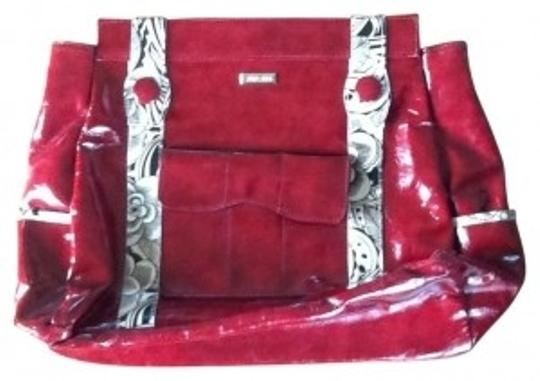 Preload https://img-static.tradesy.com/item/33170/miche-sophie-style-mb7524-big-shell-collection-deep-red-with-cream-accent-vinyl-shoulder-bag-0-0-540-540.jpg