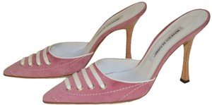 Manolo Blahnik Pink / White Pumps