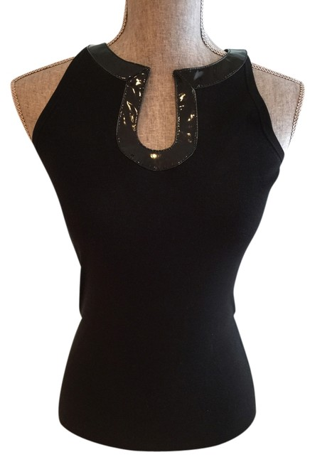 Preload https://img-static.tradesy.com/item/3325147/black-sleeveless-silk-with-patent-keyhole-neck-small-halter-top-size-6-s-0-0-650-650.jpg