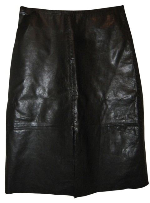 Preload https://item3.tradesy.com/images/banana-republic-black-genuine-leather-pencil-knee-length-skirt-size-0-xs-25-3325987-0-0.jpg?width=400&height=650