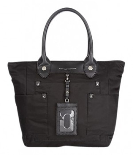 Preload https://img-static.tradesy.com/item/33287/marc-by-marc-jacobs-preppy-dakota-black-nylon-tote-0-0-540-540.jpg