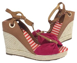 Kelsi Dagger Wedges