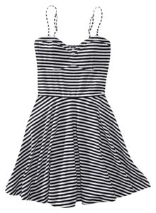 Aéropostale short dress Black and White on Tradesy