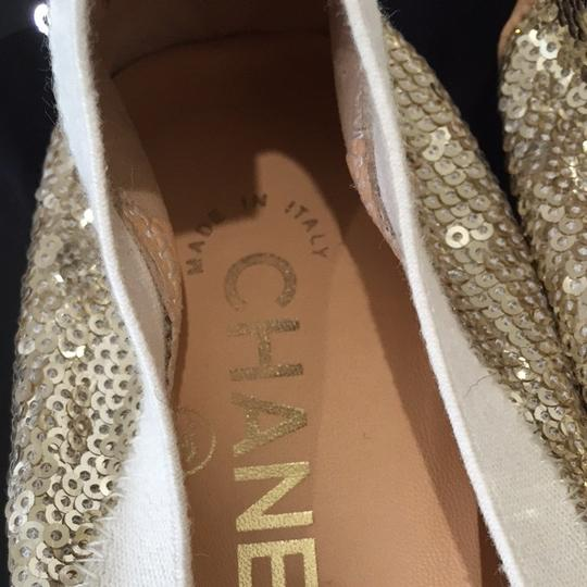 Chanel Gold Flats Image 7