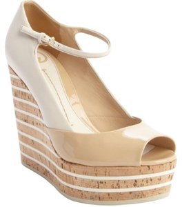 Gucci Summer Mary Jane Patent Leather Powder Wedges