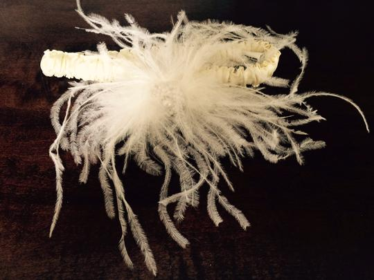 Beautiful Garter With Ostrich Feathers
