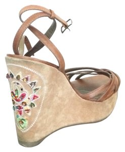 Guess By Marciano Tan/beige Platforms