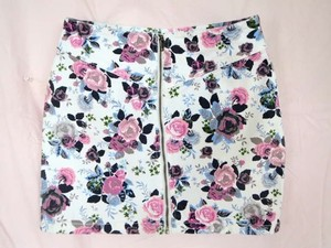 H&M Floral Spring Summer Cute Denim Full Zipper Zipper Girly Zip Zip Up Full Zip Closure Flowers Denim Denim Floral Hm Mini Skirt White