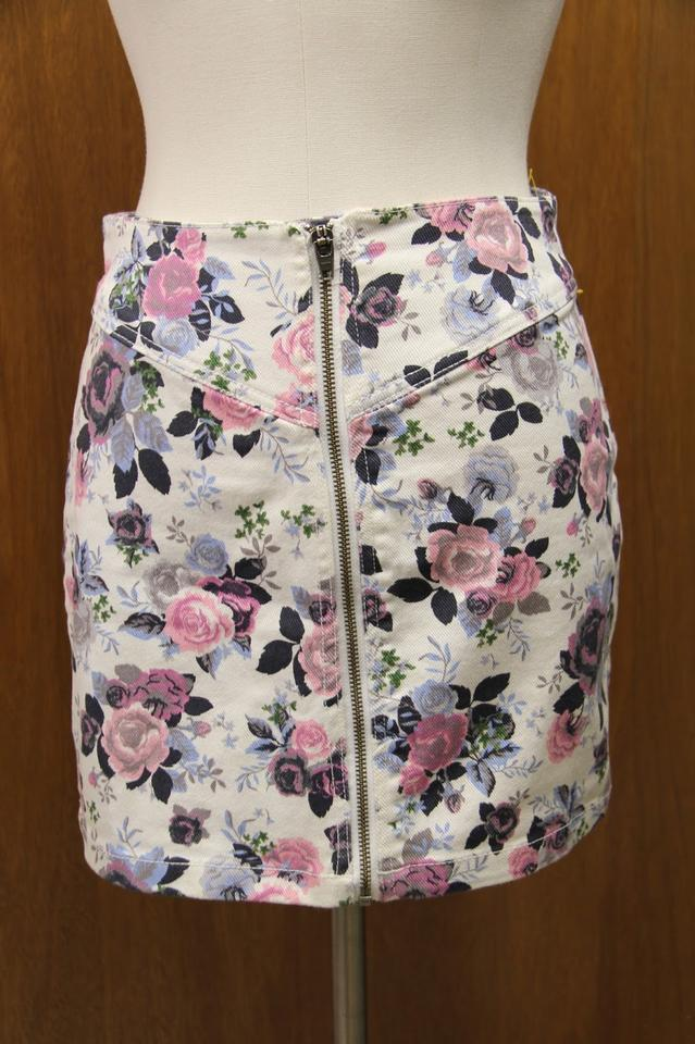 H m floral skirt impossible