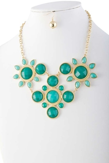 Unknown Turquoise Acrylic Jewel Sun Bib Necklace Set