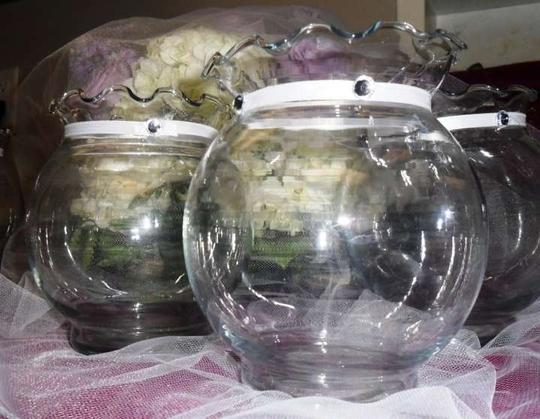 Preload https://img-static.tradesy.com/item/333976/clear-fishbowl-candle-holders-or-vases-17-pcs-reception-decoration-0-0-540-540.jpg