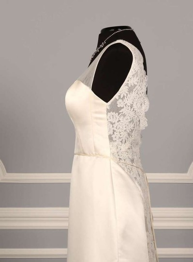 St. Pucchi Ivory Satin with Alencon Lace Z308 Formal Wedding Dress Size 2 (XS)