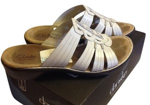 Clarks Leather Slip On Comfortable Cute Off White/Beige Sandals
