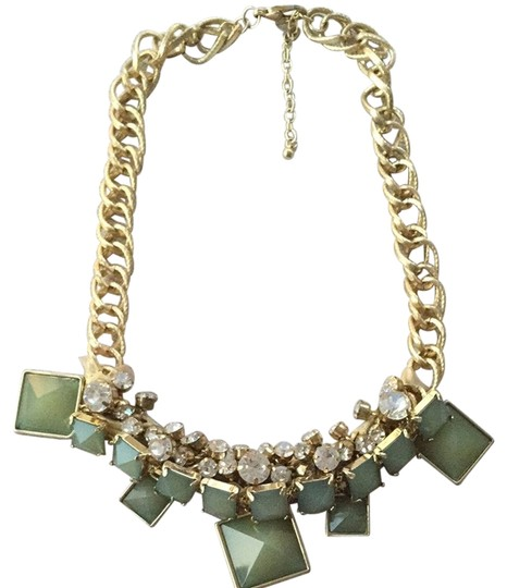 Preload https://item4.tradesy.com/images/other-statement-necklace-3343288-0-0.jpg?width=440&height=440