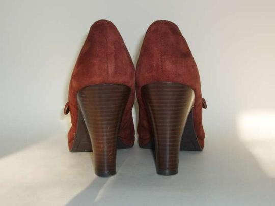 Naturalizer Rust Suede Pumps