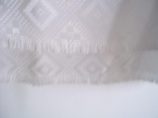 Other white long scarf diamond pattern