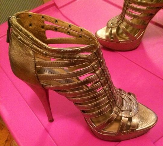 Boutique 9 Bronze/gold Pumps