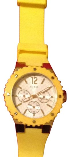 Preload https://item4.tradesy.com/images/guess-yellow-silicone-watch-3346678-0-0.jpg?width=440&height=440