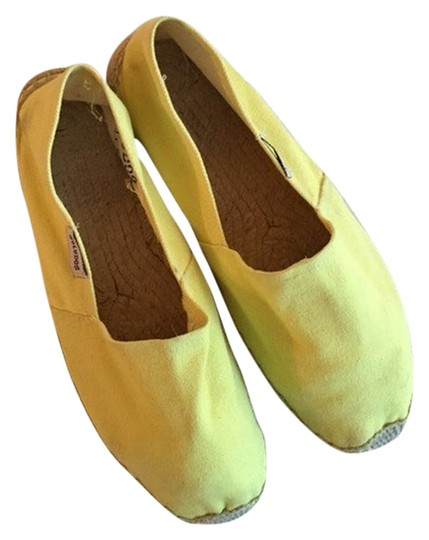 Preload https://item3.tradesy.com/images/jcrew-yellow-flats-3347437-0-0.jpg?width=440&height=440