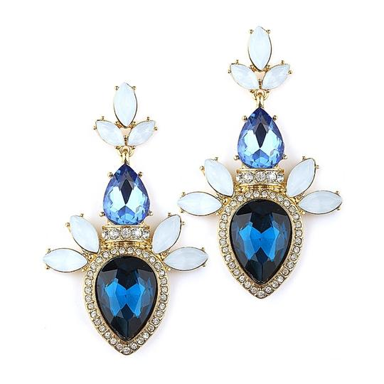 Preload https://item1.tradesy.com/images/mariell-blue-pave-pear-cluster-statement-for-prom-or-bridesmaids-4340e-bl-g-earrings-3352375-0-0.jpg?width=440&height=440